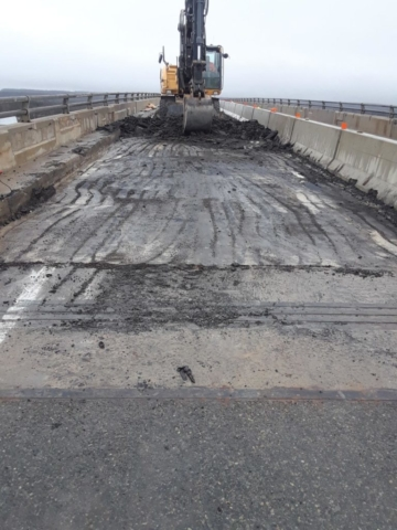 Asphalt removal on existing bridge deck