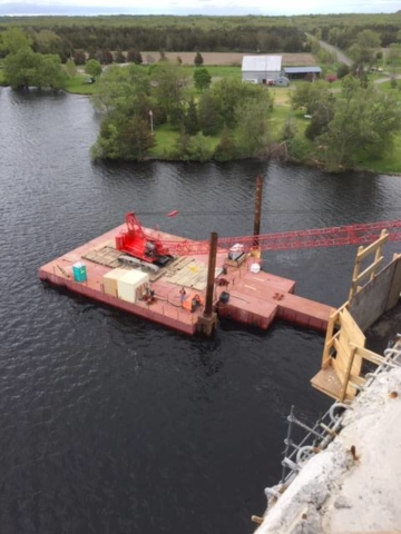 110 ton crane on barge
