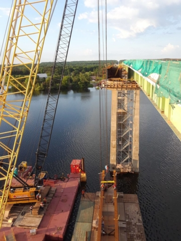 Preparing girder to be lifted