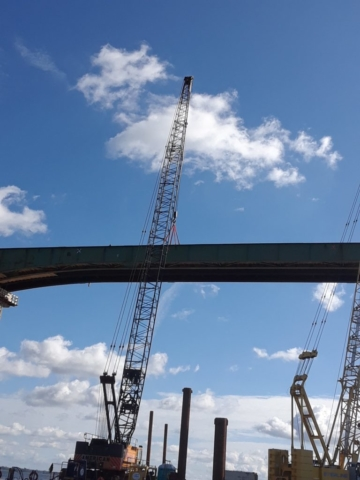 Crane rigging to the girders for removal