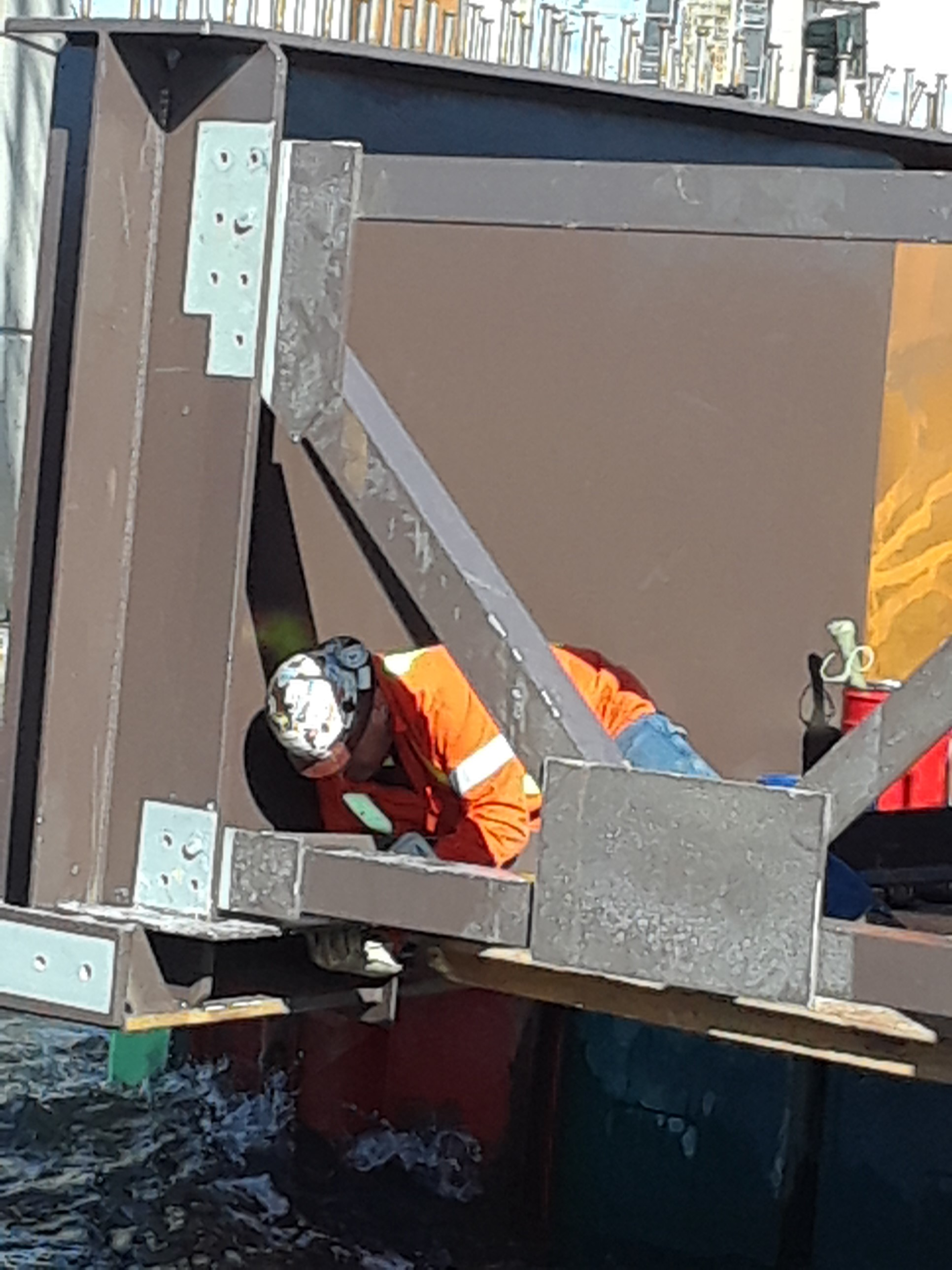 Attaching K-braces to the Approach girder section