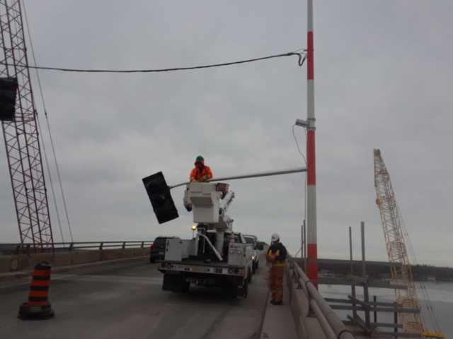 Removing the temporary traffic signals