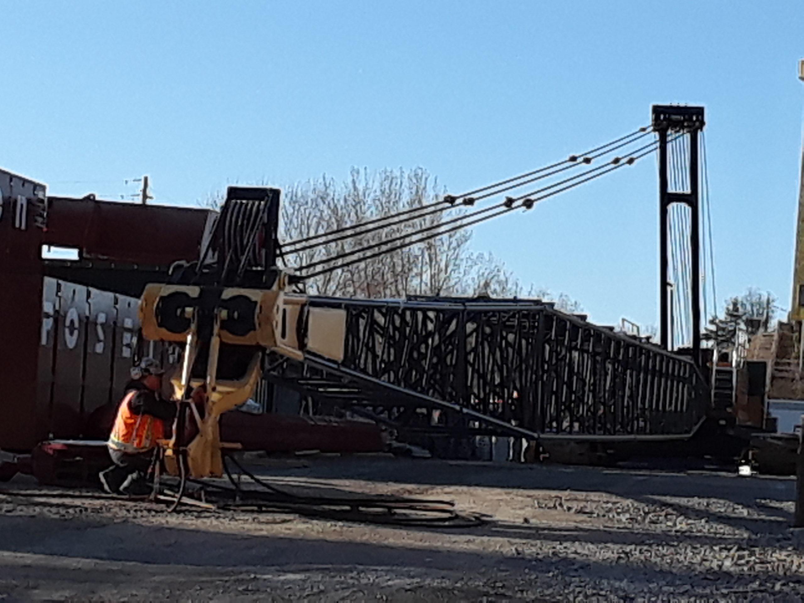 Preparing the second 200 ton crane for the season
