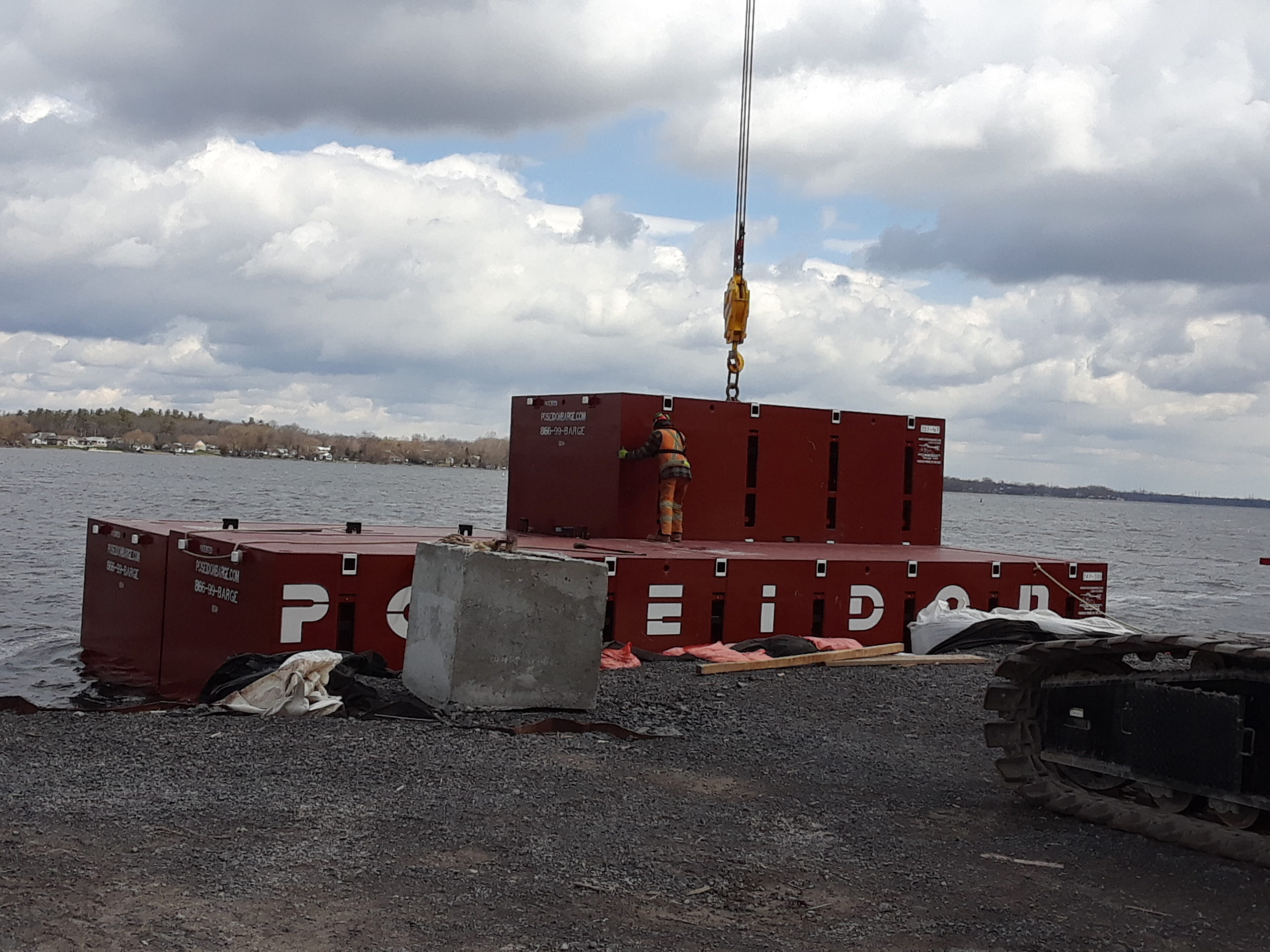 Assembling the new barge