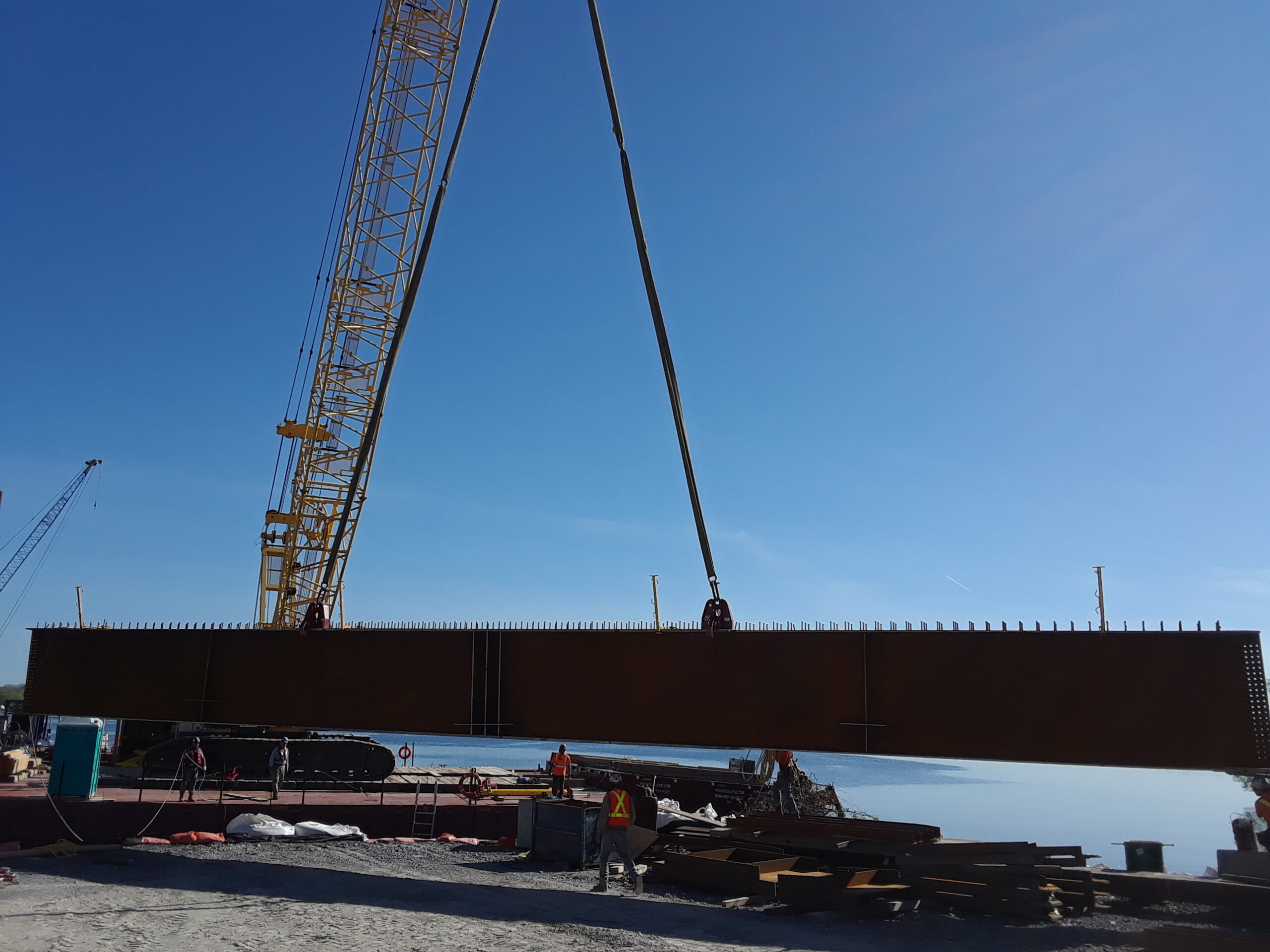 Second haunch girder sections being offloaded