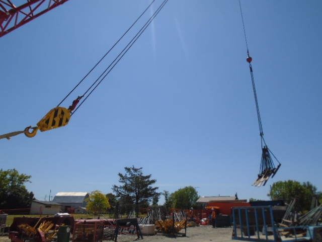 110 ton crane offloading the support brackets