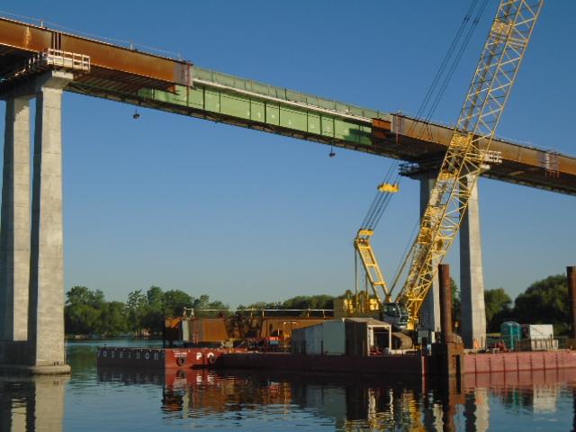Preparing for girder lift between piers 6 and 7 / drop-in girder