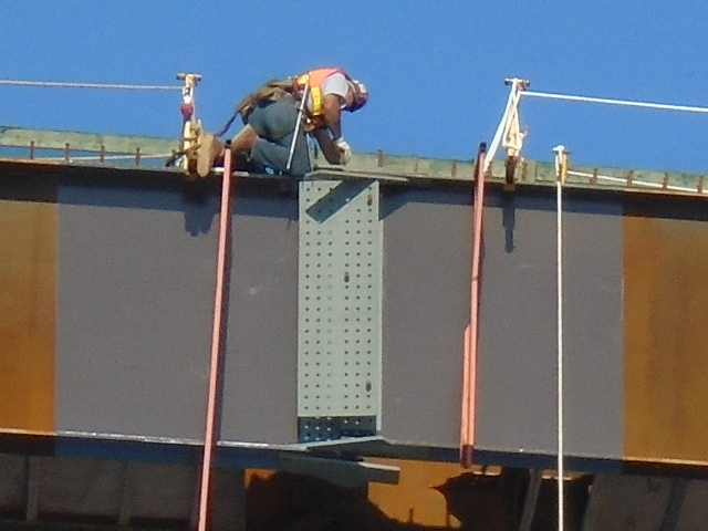 Connecting the girders