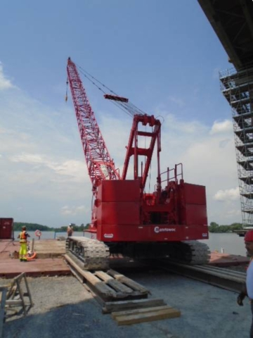 Loading the 110 ton crane on the barge