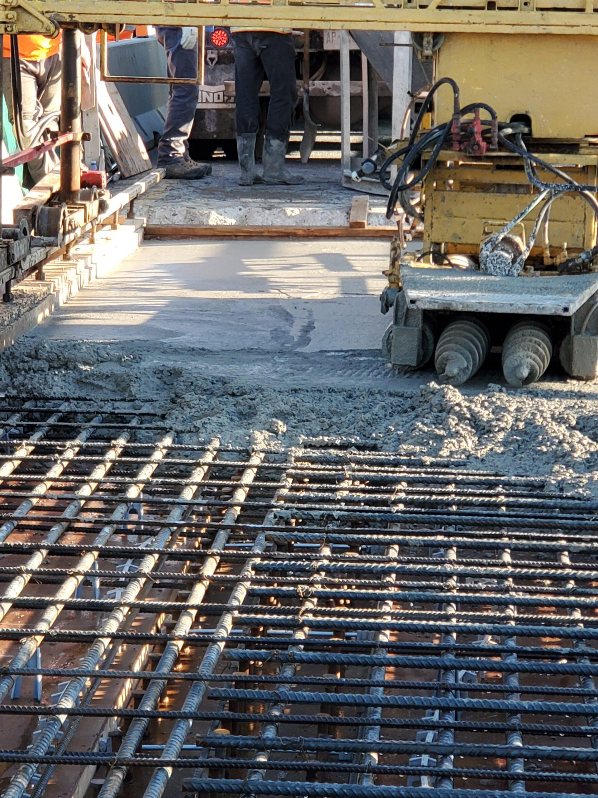 Close-up of the concrete finisher