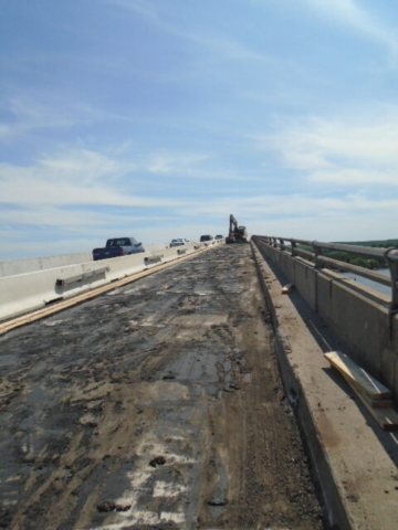 Overview of the deck during asphalt removal