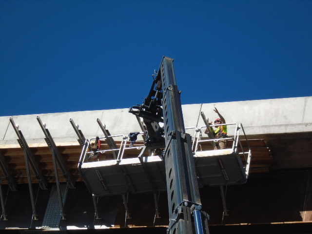 Barge view of bracket removal using the Magni lift