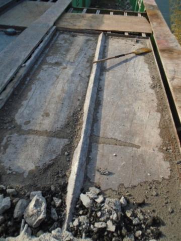 Containment pan used for concrete debris