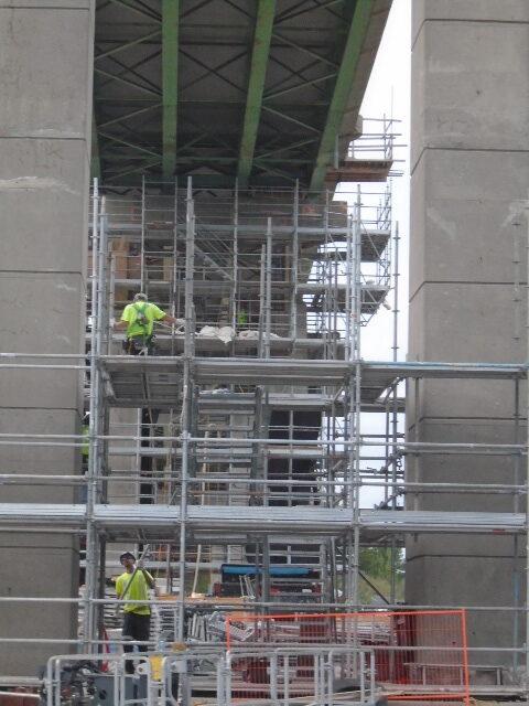 Building scaffolding on pier 13