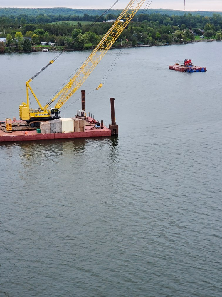 Moving the Magni lift barge out to the bridge for bracket removals