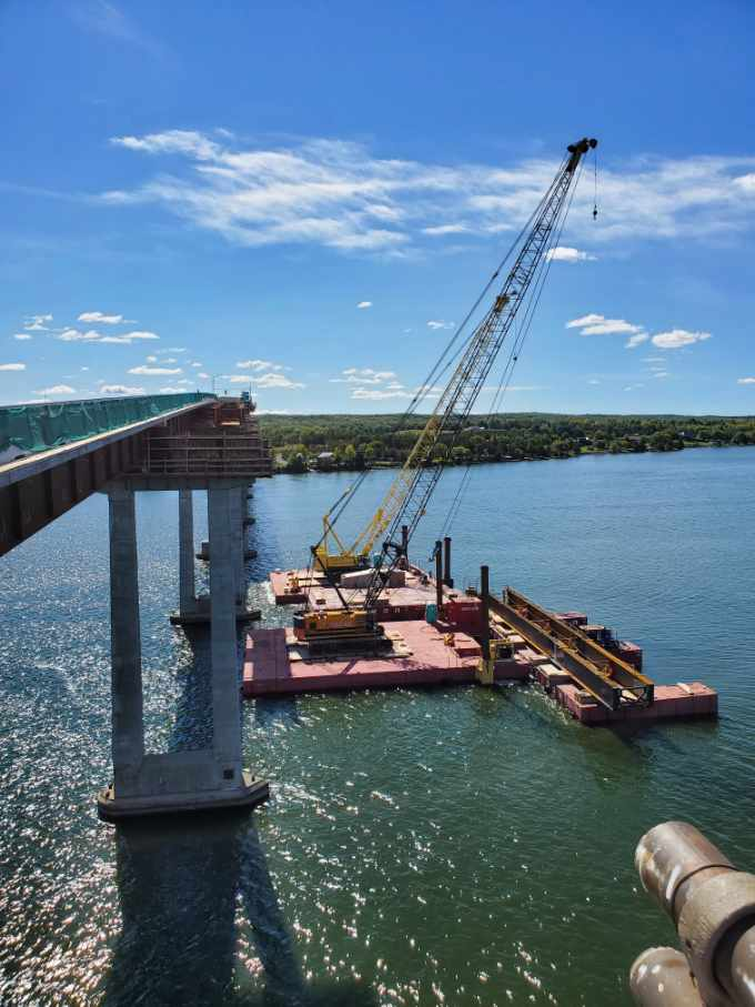 View south of both 200 ton cranes and the new approach girder
