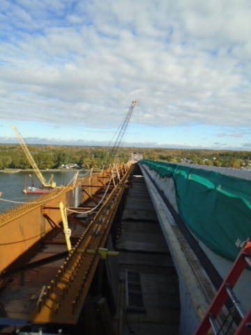 View north of installed girders and 200 ton crane