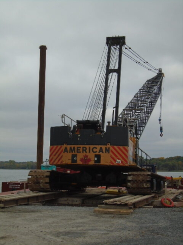 Removing the 200 ton crane from the barge