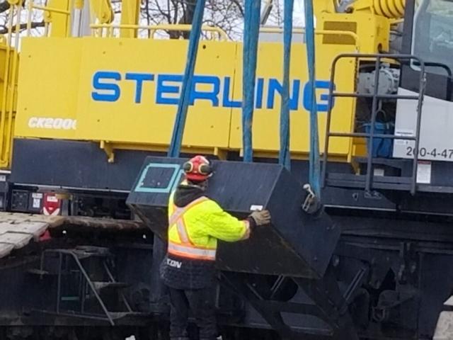 Starting to dismantle the 200 ton crane