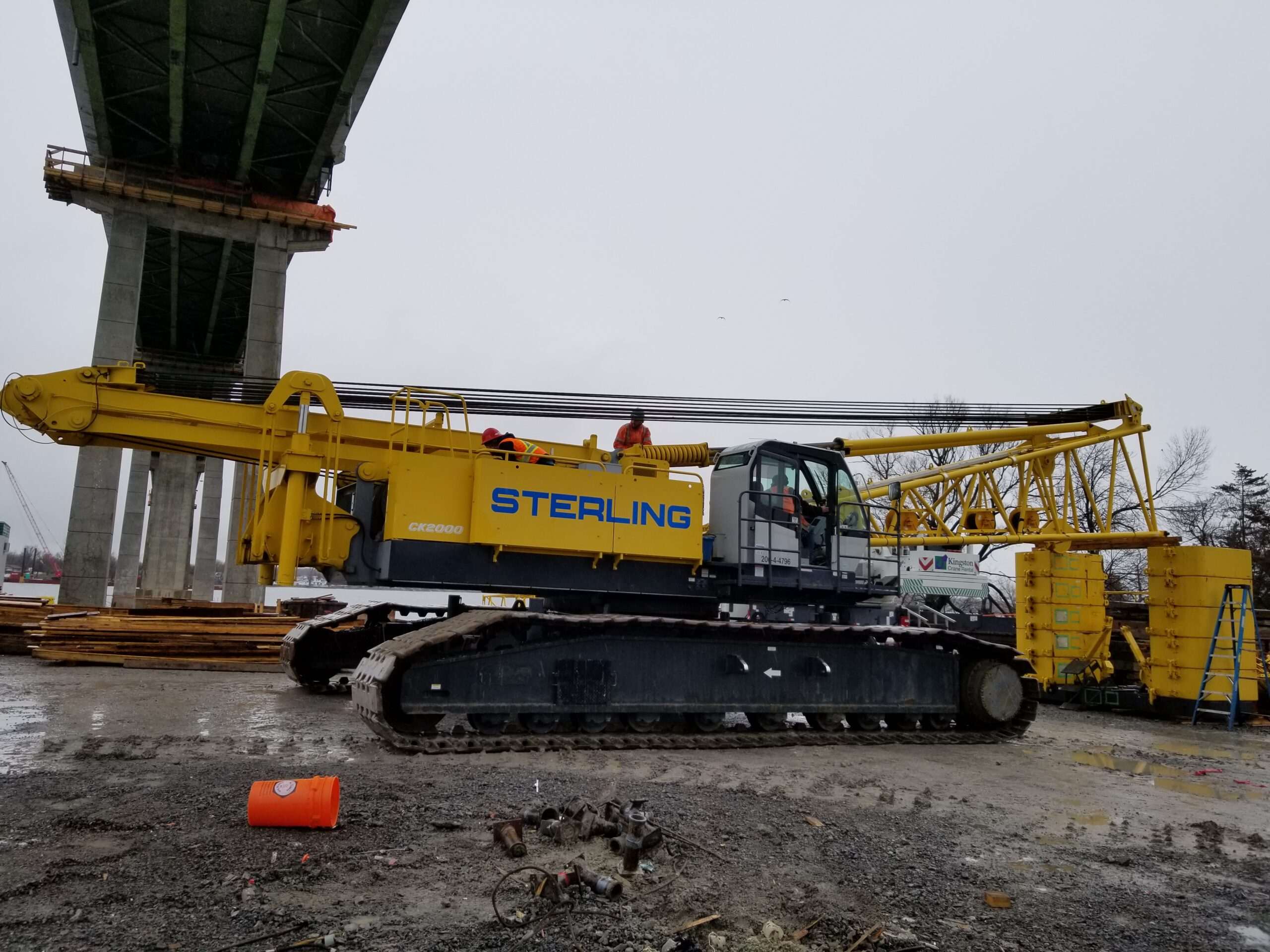 Preparing the body of the crane to be removed from site