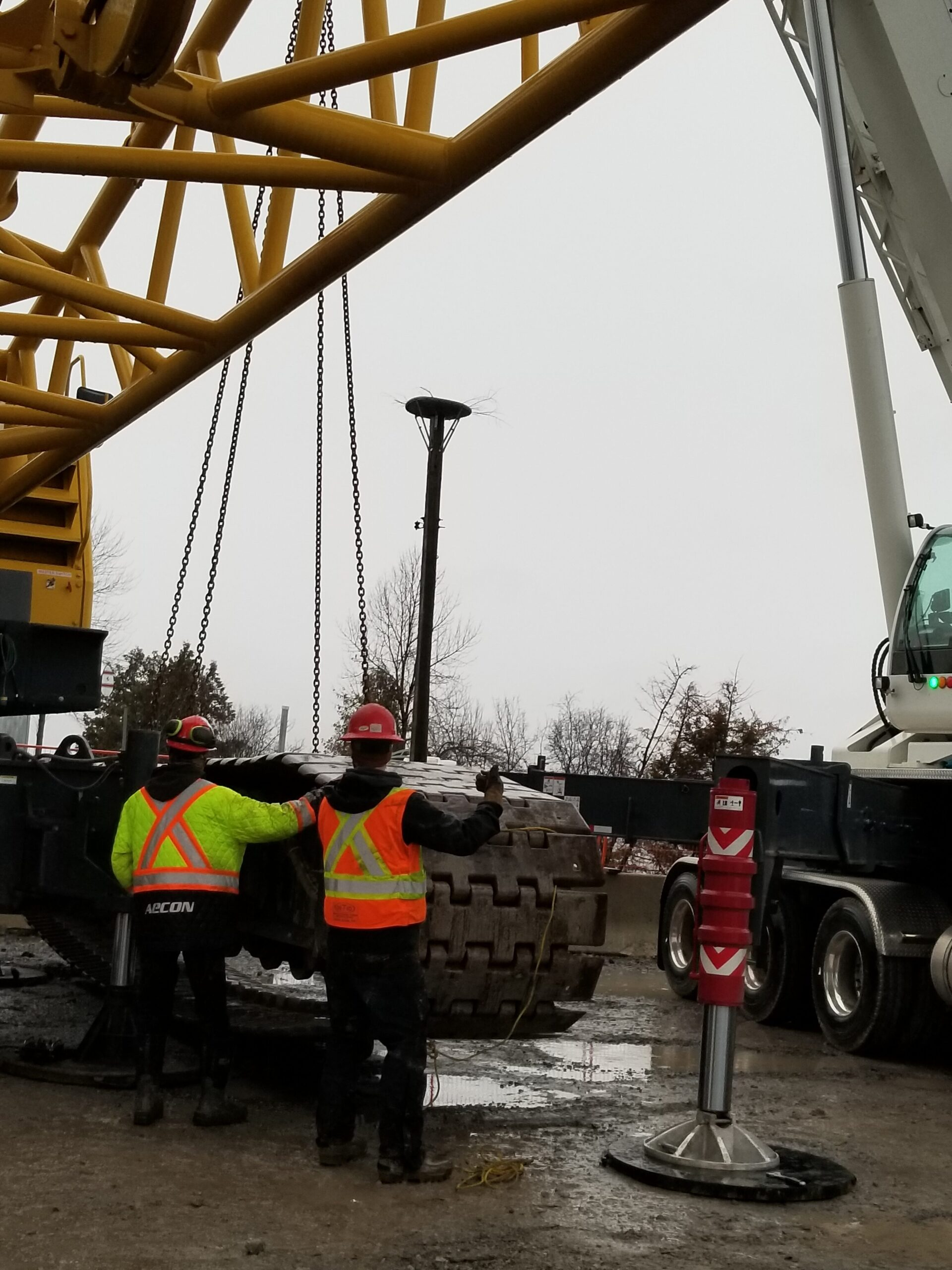 Removing the tracks from the crane body
