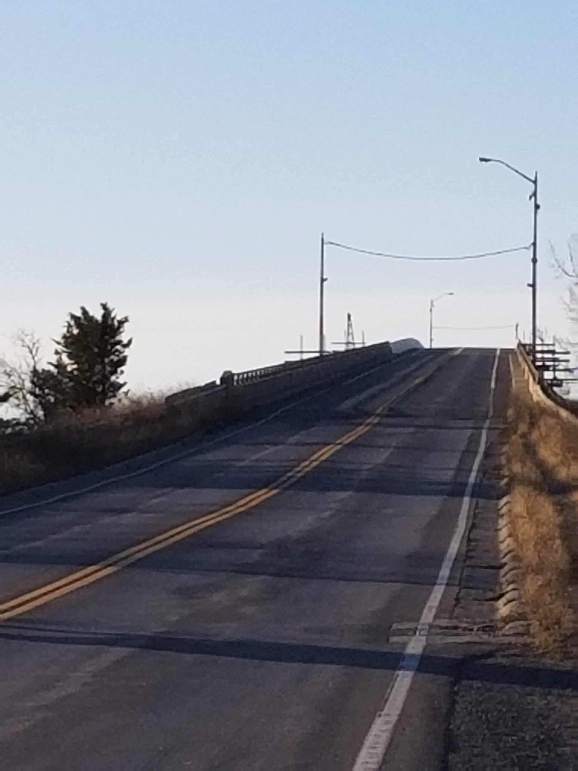 Quinte Skyway Bridge opened to two lanes / traffic signals removed