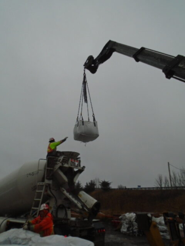 Lowering the concrete mix to the truck