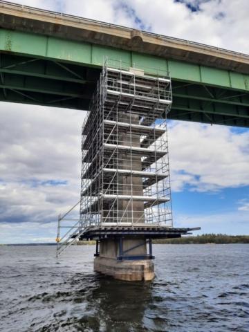 Pier 4 scaffolding