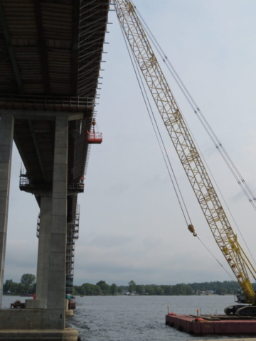 200-ton crane lifting the cage for drain installation