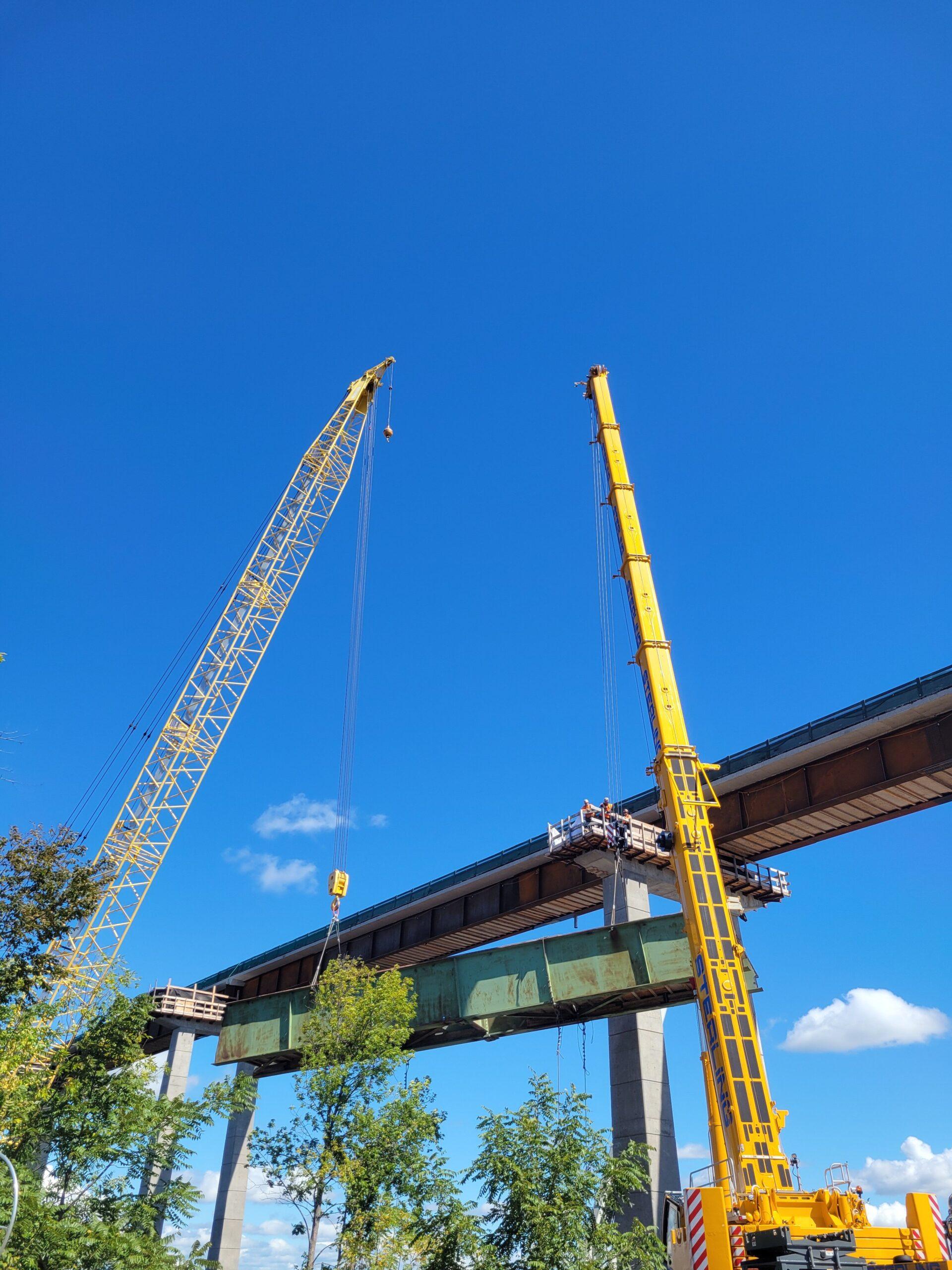 200 and 300-ton crane lowering the hammerhead girder