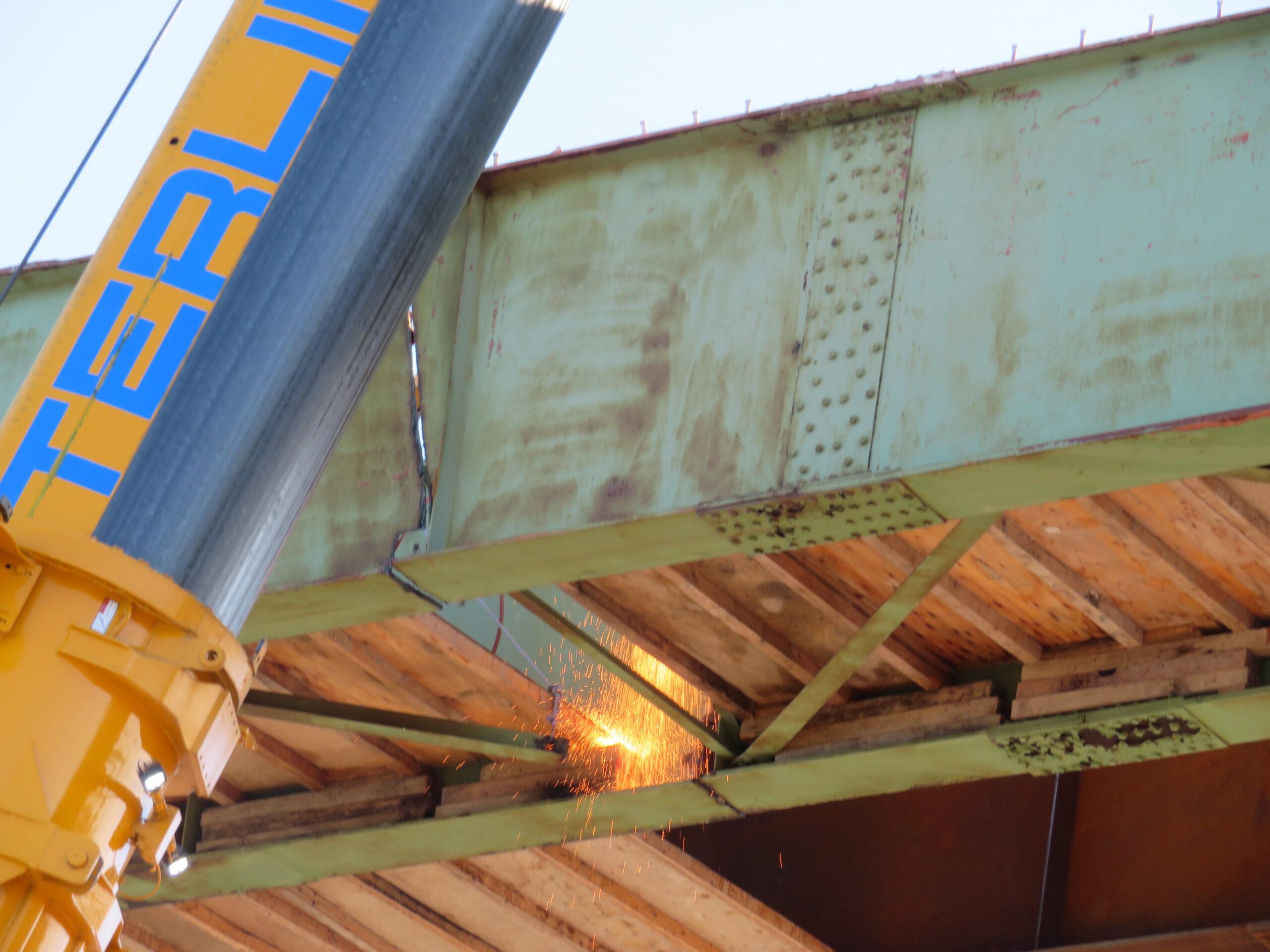 Final cuts on the approach girder