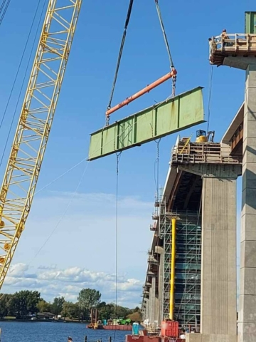 Lowering the second pier 12 hammerhead girder section